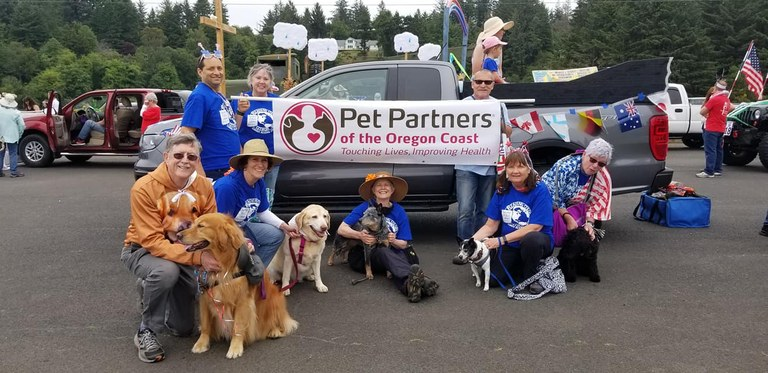 Waldport Library & Pet Partners enjoying Beachcomber Day Parade with their pets!